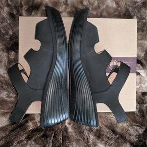 Clarks Shoes - Clarks Velcro Strap Wedge Sandal